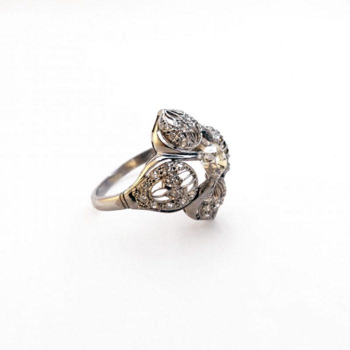 Belle epoque · Cushion cut diamond · Dogwood · Edwardian · Old mine cut diamond · Old singlecut diamonds · Platinum · Ring · Symbol of Christianity