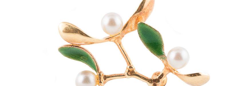 Mistletoe enamel